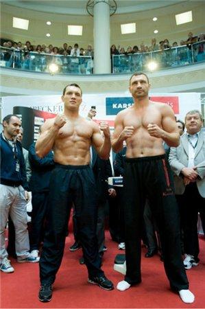 Бой Виталий Кличко - Альберт Сосновский / Vitaly Klichko vs Albert Sosnovskiy (29.05.2010)